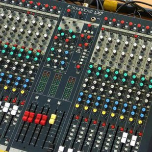 Soundcraft LX7ii-32 channel 4 bus desk